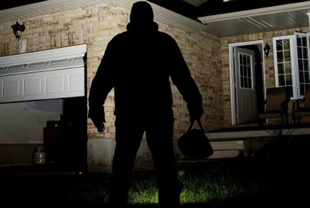 Home Security Tips for the Traveling Homeowner